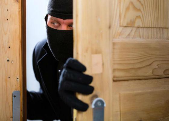 Киянин скоїв сім квартирних крадіжок на Черкащині