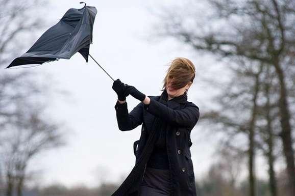 Заморозки та пориви вітру: жителів Черкащини попереджають про зміну погодних умов